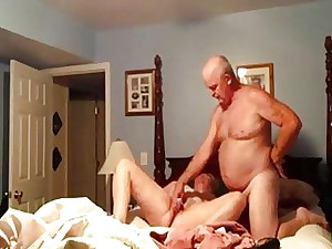 Unexperienced wifey getting fucked with a dildo