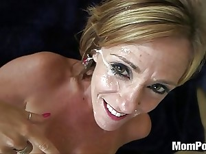 44 year old phat funbags cougar takes facial