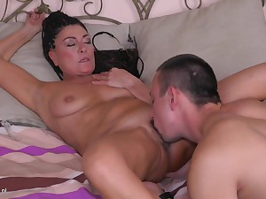 Mature mom having taboo sex with son