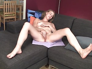 Gals who enjoy to play with themselves 06 - nicolo33
