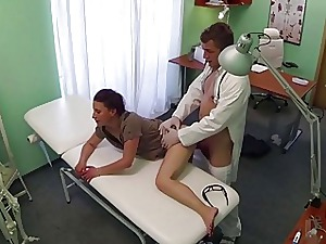 Hot Edita gets pussy fucked close by burnish apply feed