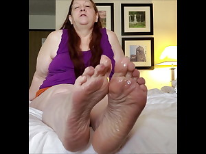 Sexitoes1 Mature Feet JOI