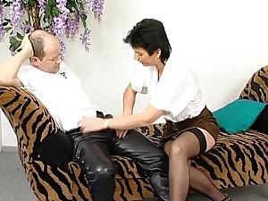 Hilfe! Oma Gerda 62jahre auf der Casting Couch