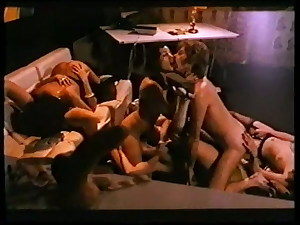 Classic 1977 - Nackt auf Schwarzer Seide - 02